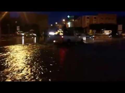فيضان وادي الصفاء يجوب شوارع بيوكرى