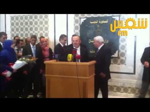 image vidéo هدية سمير ديلو لوزير العدل الجديد حافظ بن صالح