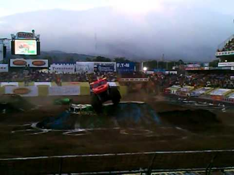 El toro loco Monster Jam Costa Rica 2012
