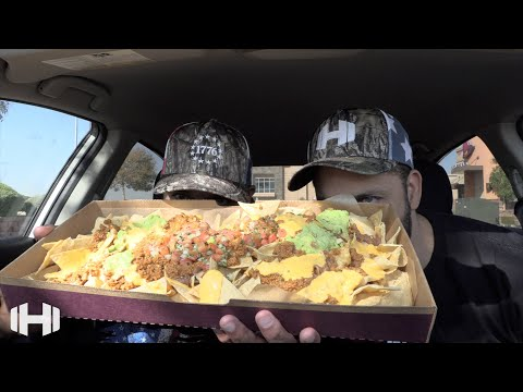 "Eating Taco Bell ""Party Pack Nachos"""
