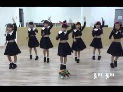 Các em nhở Hàn Quốc nhảy bài Roly Poly   YouTube