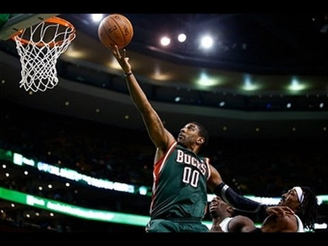 OJ Mayo Leads the Bucks Over the 76ers