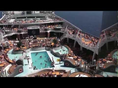 MSC DIVINA 9/16 giugno 2012 la cabina con balcone le piscine  i suoi ristoranti e il teatro