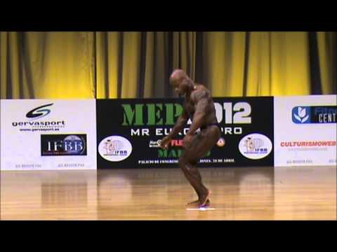 Ben White, mandatory poses at Mr. Europe Pro IFBB 2012