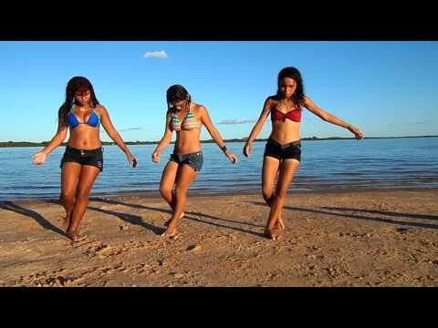 Mc Gibi Essa vai especialmente com As apimentadas de CdA dançando na praia do rio Araguaia....