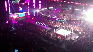WWE Raw 4/7/14: The Ultimate Warrior Entrance