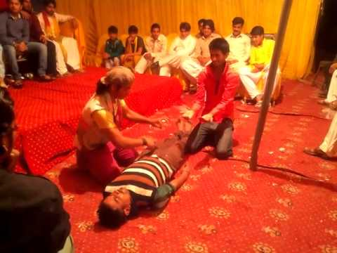 wedding dance at mehndi lahore
