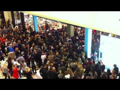 Black Friday Crowd Rushing into Urban Outfitters, The insane crowd for the black friday midnight opening of Urban Outfitters in the Thousand Oaks Mall in California. From November 25, 2011. They trampled the...