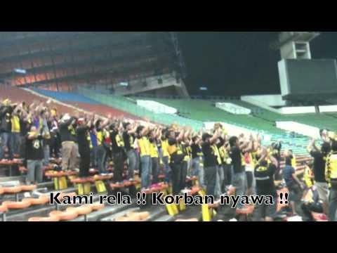 Ultras Malaya 'Berjuanglah Pahlawanku' dengan lirik