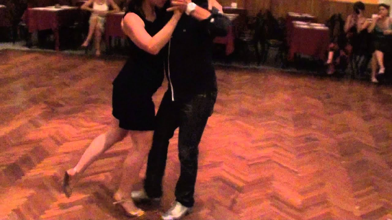Jose halfon y virginia cutillo tango class in salon canning youtube for A puro tango salon canning