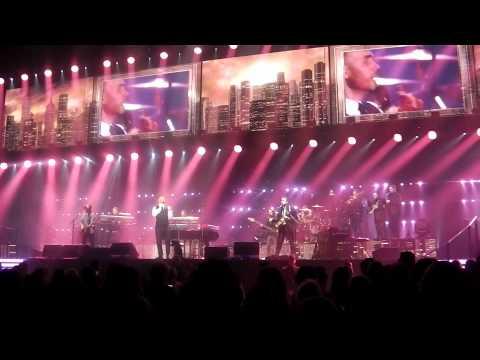gary barlow concert, 15th of april 2014 liverpool echo arena
