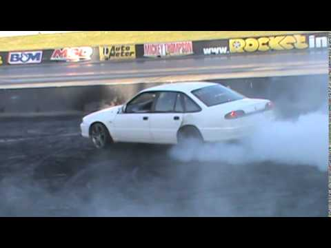 HOLDEN VR BUICK V6 COMMODORE BURNOUT AT WSID 31 8 2014