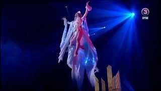 Kerli perform Medley