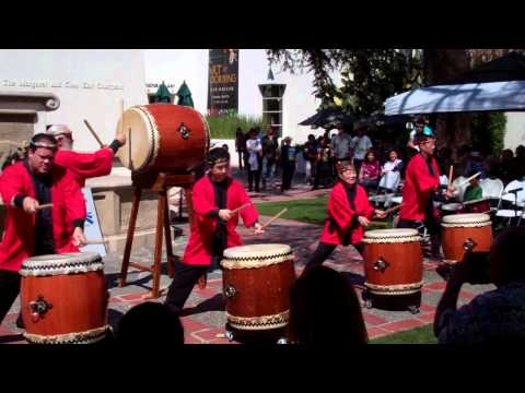 Taiko Center of LA performed at Bowers Museum