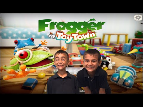 FROGGER IN TOY TOWN APPLE ARCADE