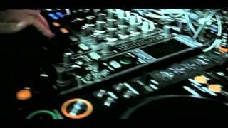 Juan Magan Feat. Pitbull & El Cata Bailando Por El Mundo