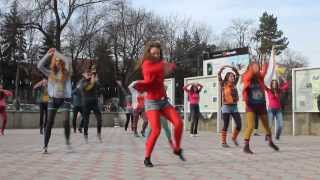 Flash-mob Universitatea de Stat din Moldova (11.12.13)