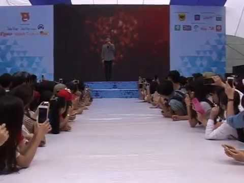 Sơn Tùng M-TP hát Em Của Ngày Hôm Qua không nhạc cực chất