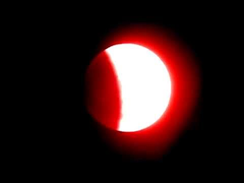 Blood Moon April 15,2014 - Total Lunar Eclipse Close Up Video
