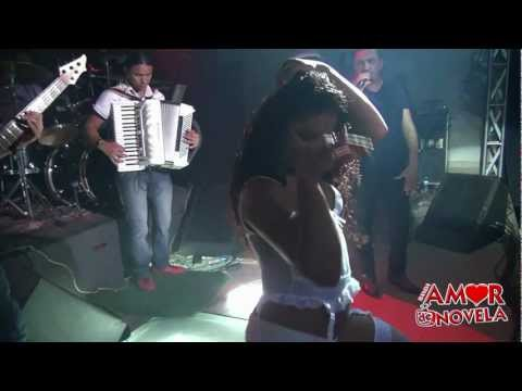 Banda Amor de Novela Toda dançarina é rapariga...olha o rebolado  dela