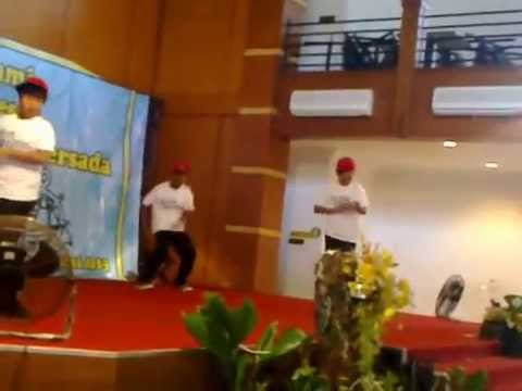 dance of 4 grade performance SILATURRAHMI KUMPARAN PERSADA 2012/2013