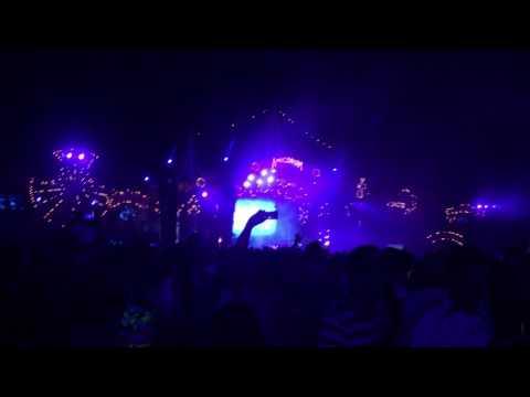 Tomorrowland 2017 (W1) - Armin Van Buuren (This Is What It Feels Like)