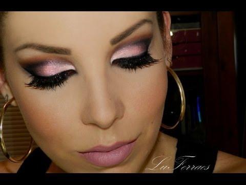 Maquiagem marcante com sombra rosa, por Lu Ferraes