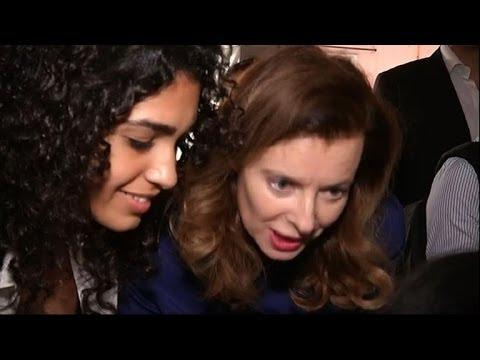 Emotion et cohue pour Valérie Trierweiler dans un hôpital indien