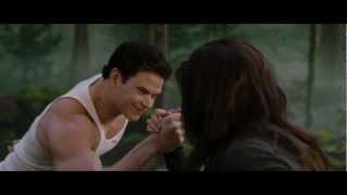 "THE TWILIGHT SAGA: BREAKING DAWN PART 2 Clip ""Strongest"