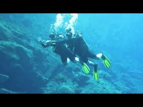 Mergulho nas águas cristalinas da Lagoa Misteriosa