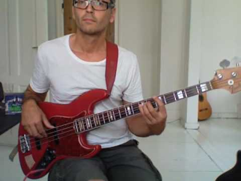 L257 Em7 dorian scale bass lick from the minor 3rd