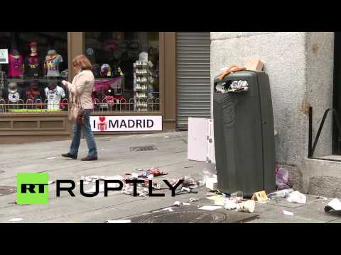 Spain: Streets overflow with trash as city workers go on strike