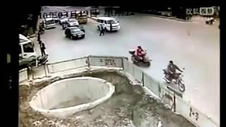 El Borracho de la Moto se cae a un pozo