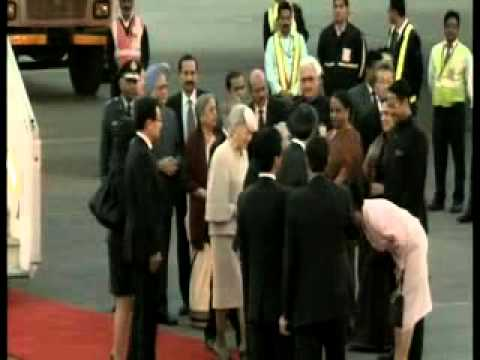 Japan's Emperor Akihito, wife arrive in India