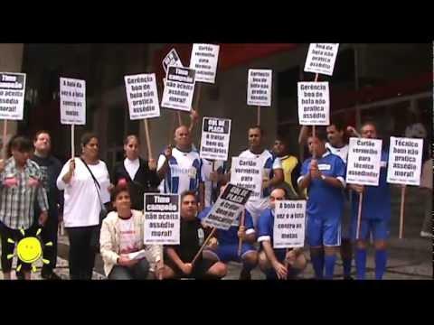 Bancários fazem Gol de placa contra o Assédio e demissões no Itaú