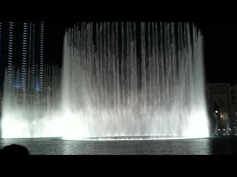 Jokalian, Mubi Watching Dubai Mall Fountain in Ramadan