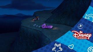 Mickey a závodnici - Strašidelné preteky