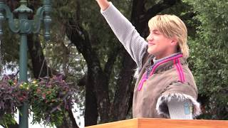 First Kristoff Character Appearance In Frozen Summer Fun