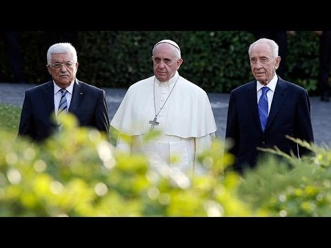 Pope, Peres and Abbas hold Vatican prayer meeting for peace