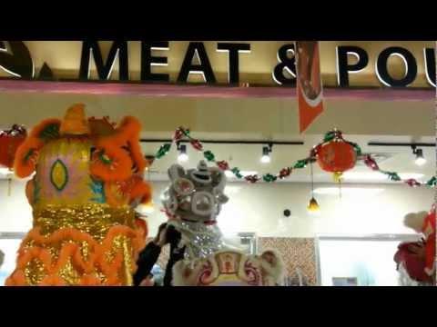 Mua Lan At 99 Market 2013