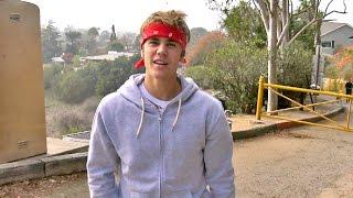 Justin Bieber Schools Paparazzo On Proper Hiking Behavior, Has 'No Opinion' On Kanye Meeting Trump
