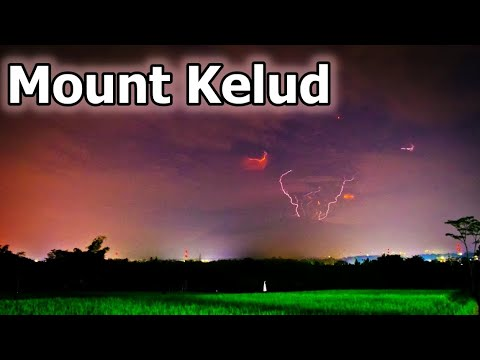 Volcano eruption Mount Kelud , Indonesia Amazing Lightning flashes video