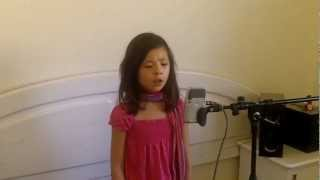 10 Year Old Girl Sings Hallelujah