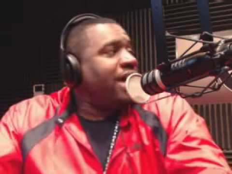 Corey Holcomb on Kelly Rowland, Stacy Dash & blk girl in Star Trek
