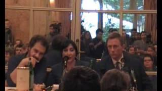 I Giorni del Coraggio (Defiance) Conferenza stampa con Daniel Craig e Edward Zwick/Part1 view on youtube.com tube online.