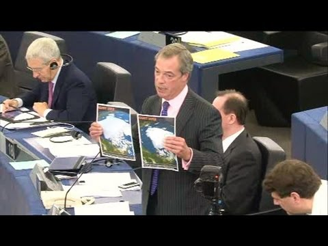 Nigel Farage offers Barroso some cooling news (State of the Union 2013)