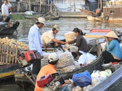 Hanh Trinh Tren Dat Phu Sa_ Quoc Dai