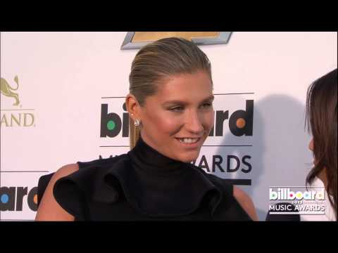 Kesha on the Billboard Music Awards Blue Carpet 2013