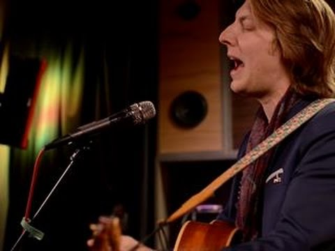 Eric Hutchinson - Tell The World (Last.fm Sessions)