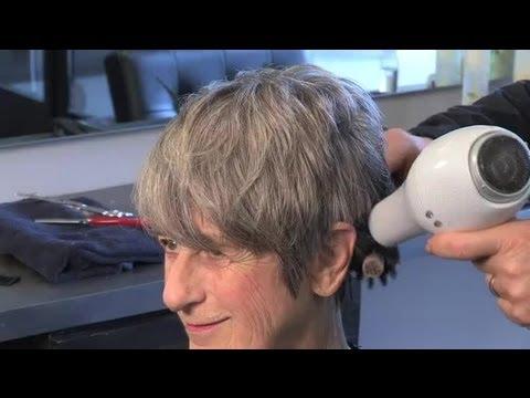 How Do I Style Hair on an Older Woman? : Great Hair Styling Advice
